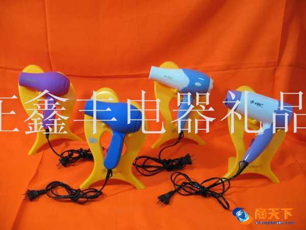 电吹风 查看 本公司 更多产品 产品名称 src proimg n2011830105019375.jpg img border/电吹风